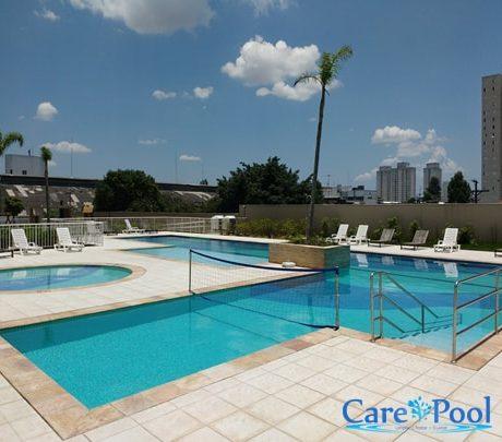 limpeza-de-piscina-para-condominio-min